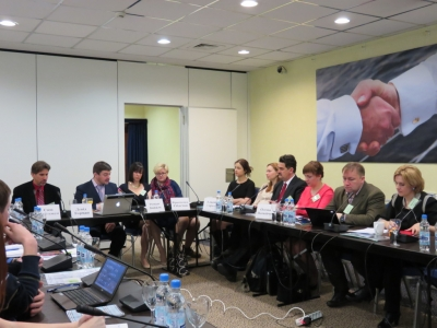 "The future dialogue? - The results of the round table ""Dialogue for Understanding: experience and prospects""."